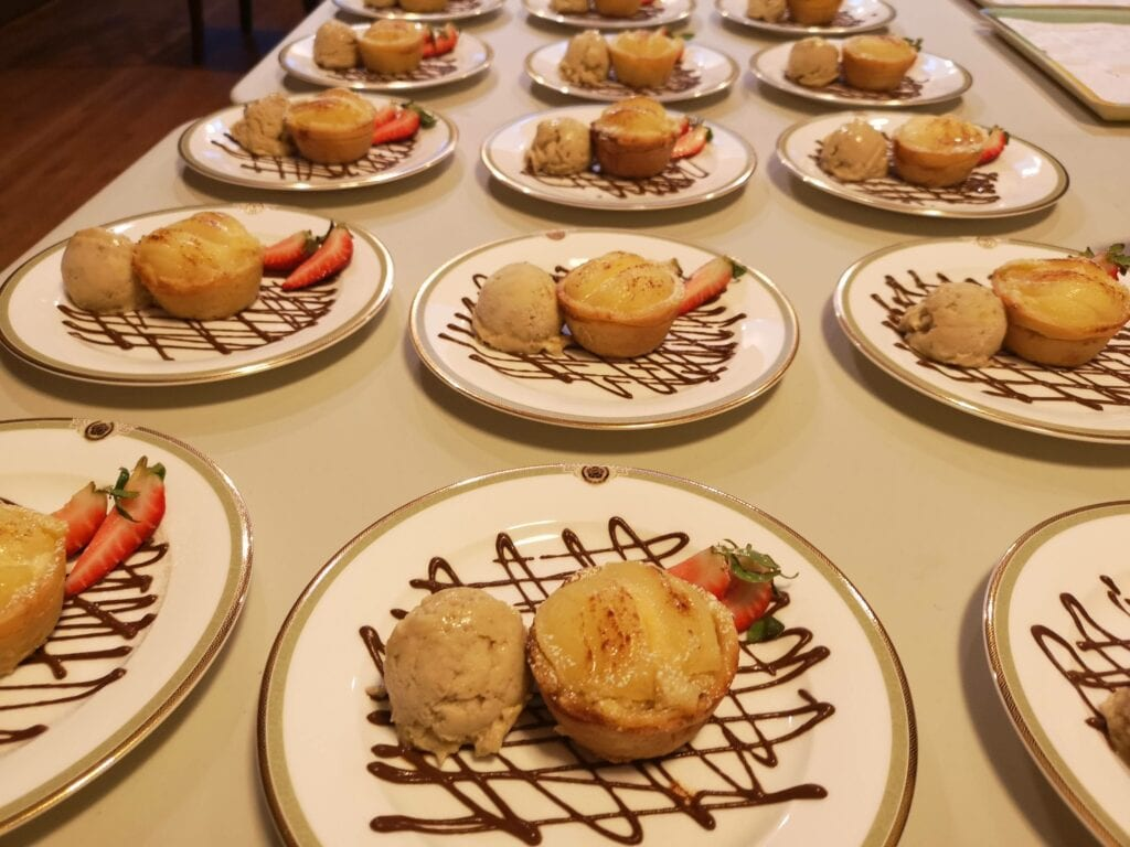 personal chef service dessert for a dinner party